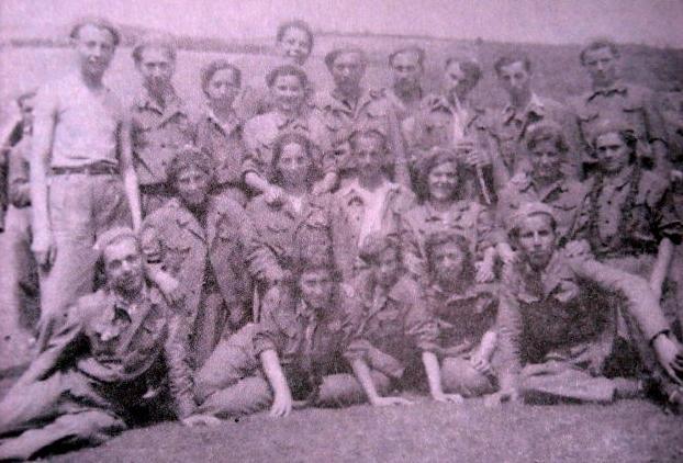 Бригадири доброволци от с. Панчарево, на строителството на яз. Искър, 1954г.